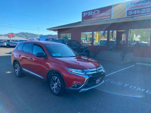 2018 Mitsubishi Outlander for sale at Pro Motors in Roseburg OR