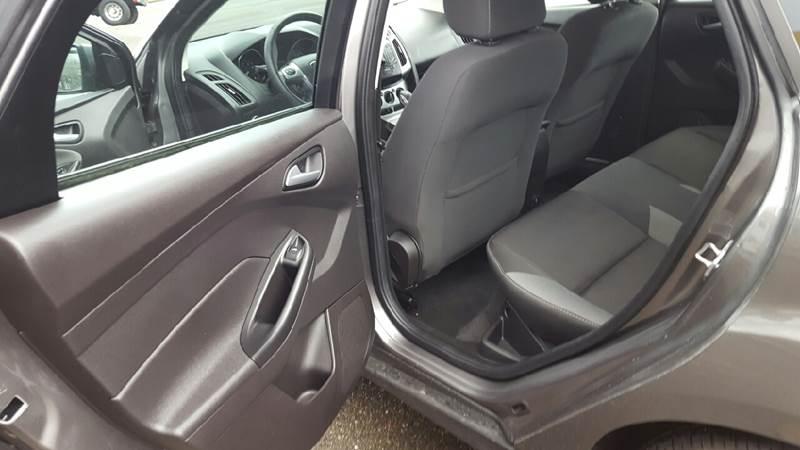 2014 Ford Focus SE 4dr Sedan - Roseburg OR
