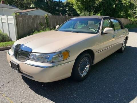 1998 Lincoln Town Car for sale at QUALITY AUTO SALES OF NEW YORK in Medford NY