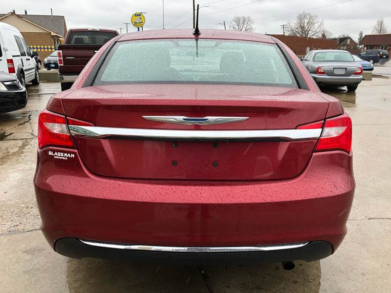 2013 Chrysler 200 LX 4dr Sedan In Eastpointe MI - MLD ...
