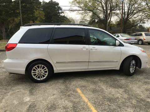 2008 Toyota Sienna for sale at Paramount Autosport in Kennesaw GA