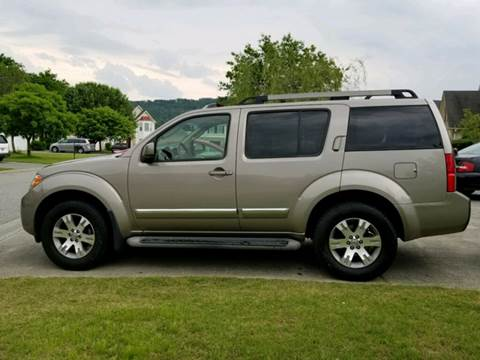 2008 Nissan Pathfinder for sale at Paramount Autosport in Kennesaw GA