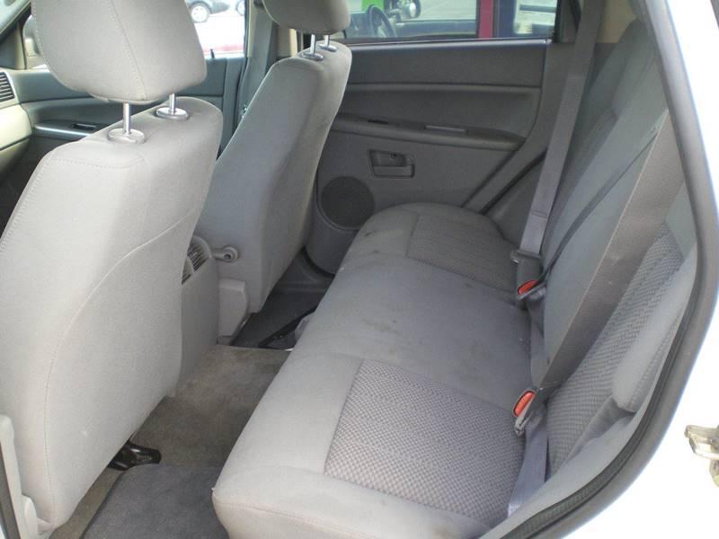 2005 Jeep Grand Cherokee 4dr Laredo 4WD SUV - Greenville NC