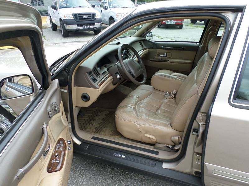 1997 Lincoln Town Car Executive 4dr Sedan - Webster MA