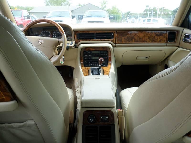 1995 Jaguar XJ-Series XJ6 Vanden Plas 4dr Sedan - Webster MA