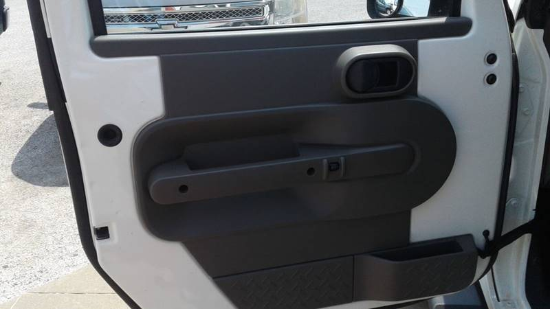 2010 Jeep Wrangler Unlimited 4x4 Sahara 4dr SUV - Centerton AR