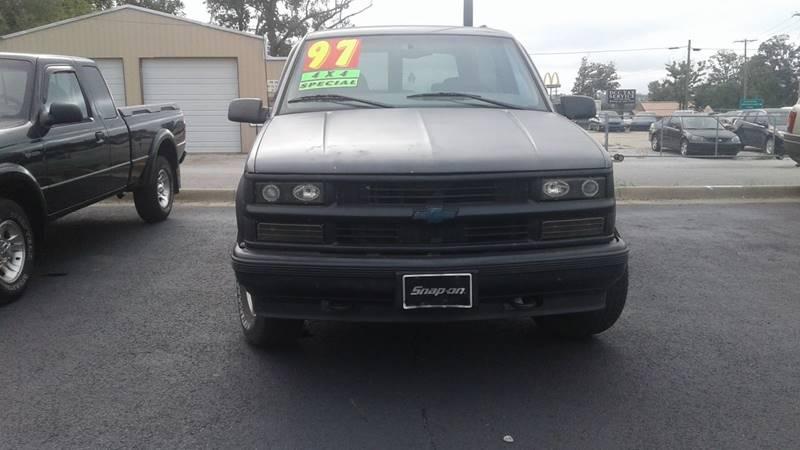 1997 Chevrolet Tahoe 2dr LS 4WD SUV - Centerton AR