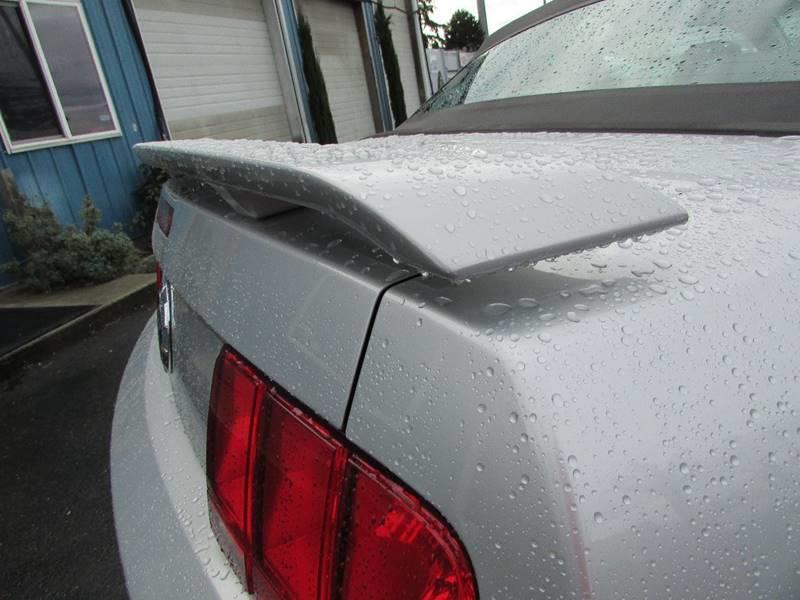 2005 Ford Mustang V6 Premium 2dr Convertible - Burien WA