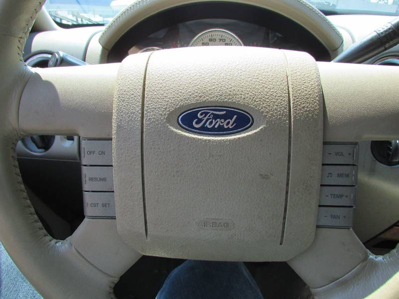 2004 Ford F-150 4dr SuperCrew Lariat 4WD Styleside 5.5 ft. SB - Burien WA