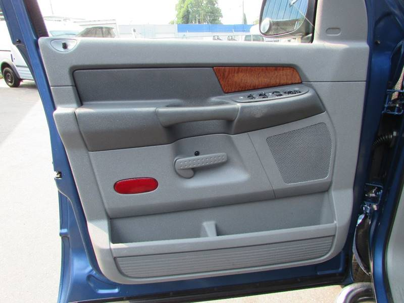2006 Dodge Ram Pickup 1500 SLT 4dr Quad Cab 4WD SB - Burien WA