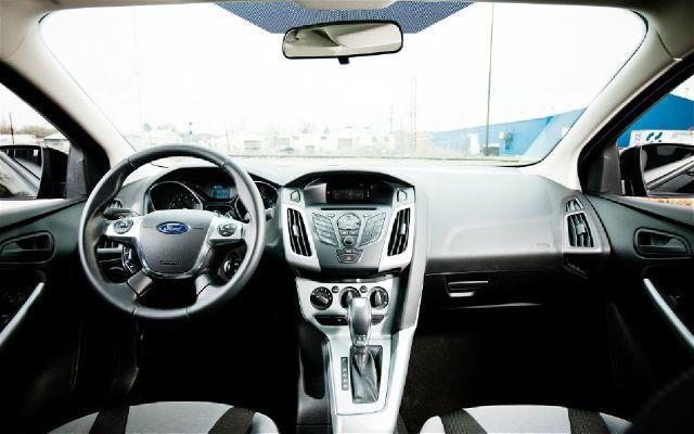 2012 Ford Focus SE 4dr Hatchback - Chicopee MA