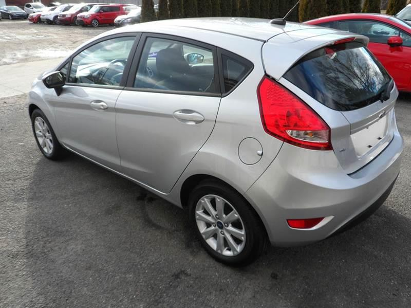2013 Ford Fiesta SE 4dr Hatchback - Chicopee MA