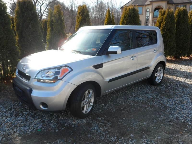 2011 Kia Soul + 4dr Wagon 4A - Chicopee MA
