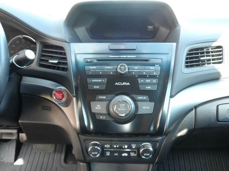 2013 Acura ILX 2.0L 4dr Sedan w/Premium Package - Chicopee MA