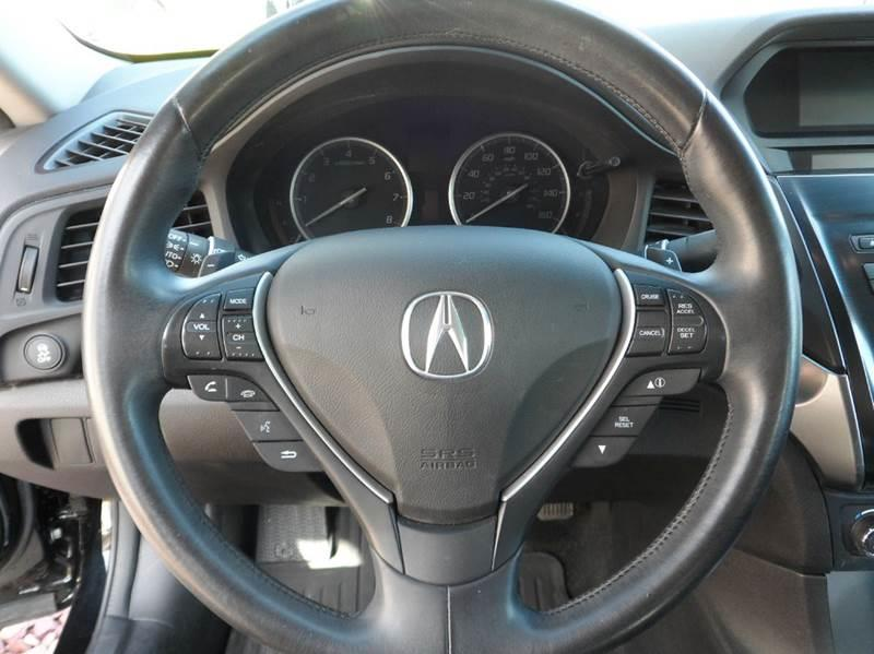 2013 Acura ILX 2.0L 4dr Sedan w/Premium Package - Chicopee MA