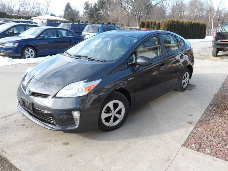 2013 Toyota Prius Two 4dr Hatchback - Chicopee MA