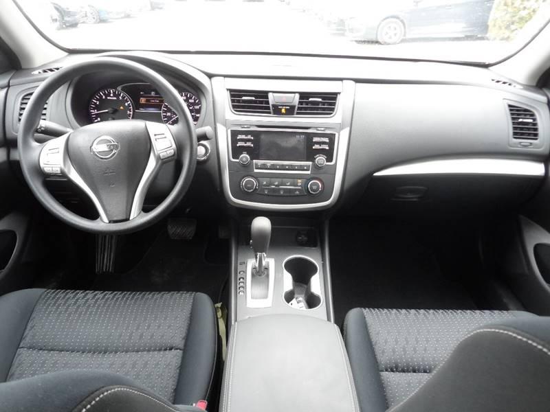 2016 Nissan Altima 2.5 4dr Sedan - Chicopee MA