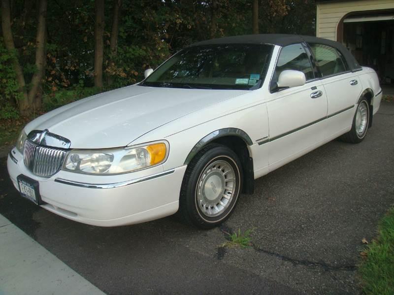 2000 Lincoln Town Car Executive 4dr Sedan In Johnson City Ny