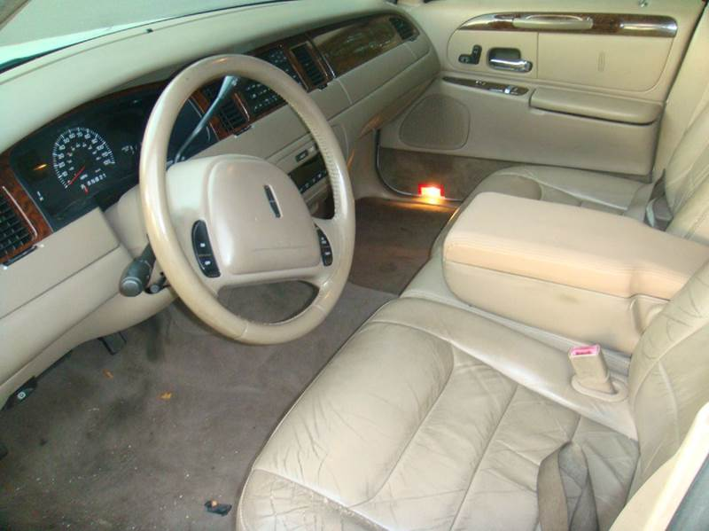 2000 Lincoln Town Car Executive 4dr Sedan In Johnson City Ny