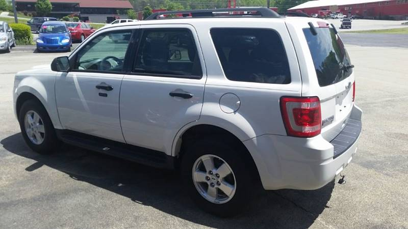 2010 Ford Escape XLT 4dr SUV - Somerset PA