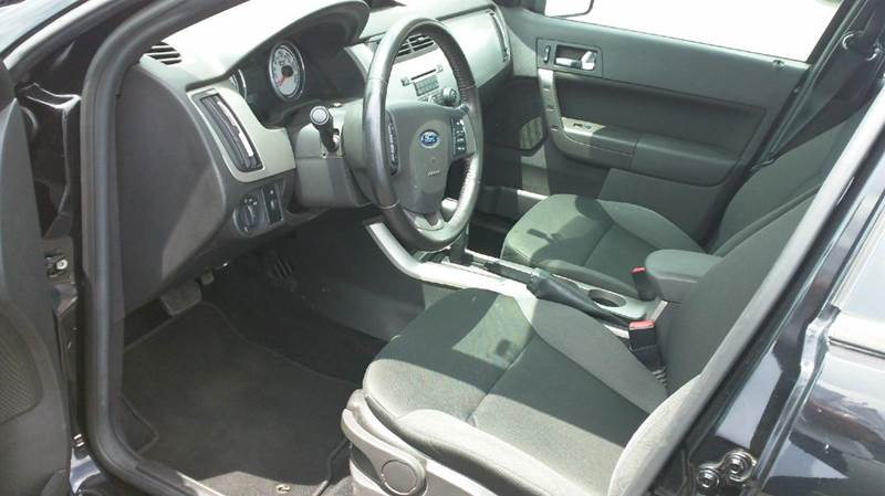 2009 Ford Focus SES 4dr Sedan - Somerset PA