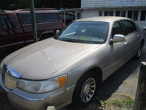2000 Lincoln Town Car for sale in Verona, PA
