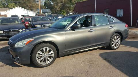 2011 Infiniti M37 for sale at B Quality Auto Check in Englewood CO