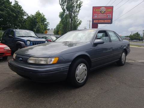 1993 Ford Taurus for sale in Lindenhurst, NY