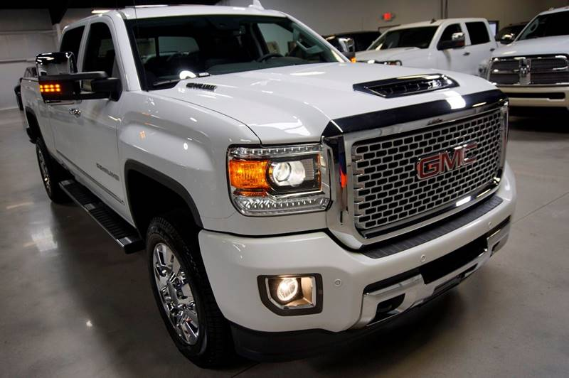 2017 GMC Sierra 2500HD 4x4 Denali 4dr Crew Cab SB - Houston TX