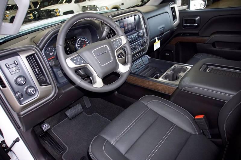 2017 GMC Sierra 2500HD 4x4 Denali 4dr Crew Cab SB - Houston TX
