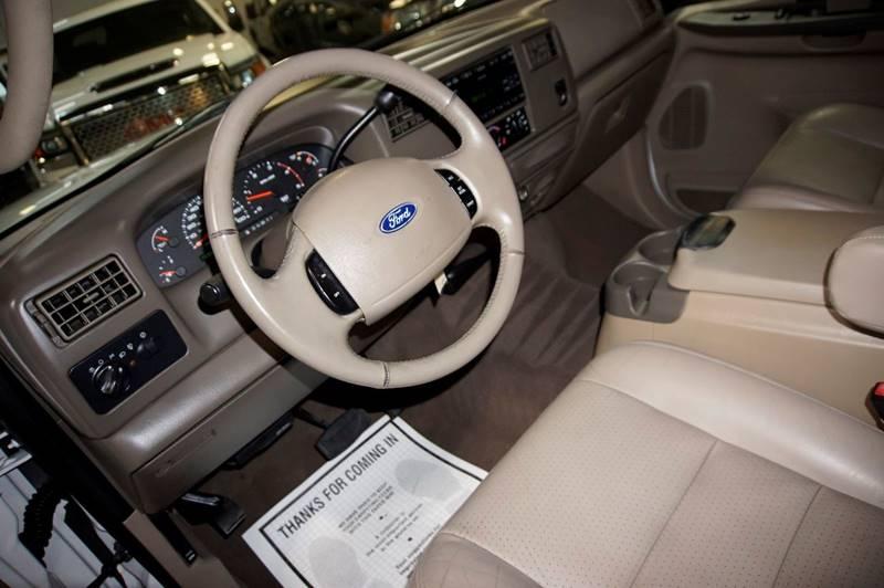 2003 Ford F-350 Super Duty 4dr Crew Cab Lariat Rwd SB DRW - Houston TX