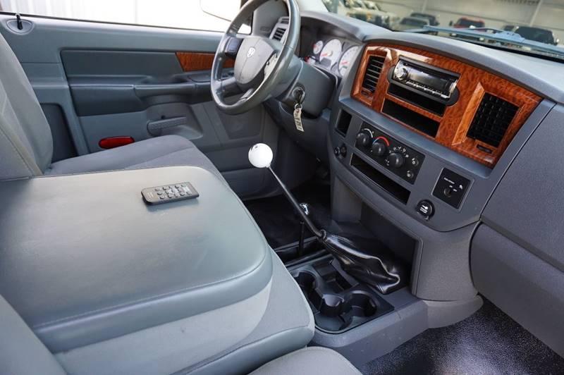 2006 Dodge Ram Pickup 2500 SLT 2dr Regular Cab 4WD LB - Houston TX