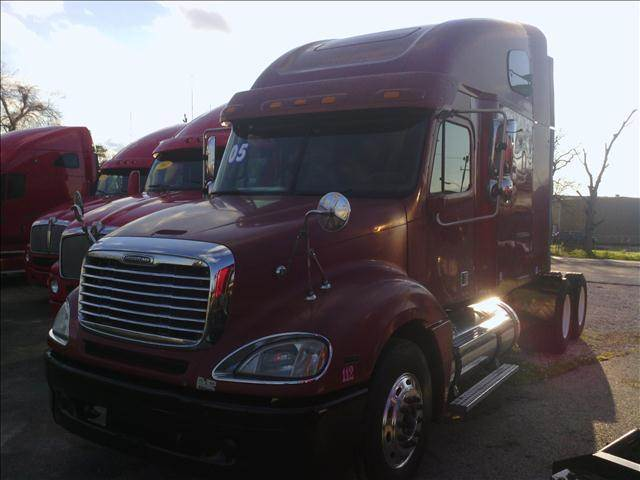 2005 Freightliner Columbia for sale at JAG TRUCK SALES in Houston TX
