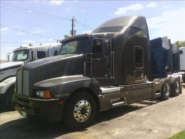2006 Kenworth T600 for sale at JAG TRUCK SALES in Houston TX