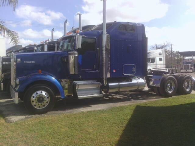 2006 Kenworth W900L for sale at JAG TRUCK SALES in Houston TX