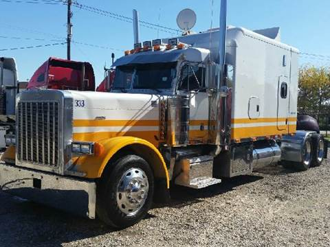 2000 Peterbilt 379 EXT-HOOD for sale at JAG TRUCK SALES in Houston TX