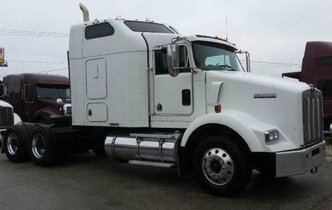 2005 Kenworth T800 for sale at JAG TRUCK SALES in Houston TX
