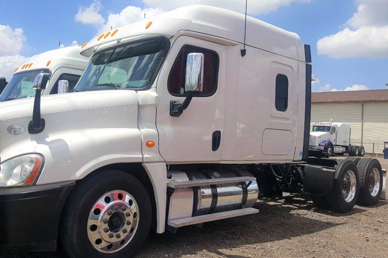 2013 Freightliner Cascadia for sale at JAG TRUCK SALES in Houston TX