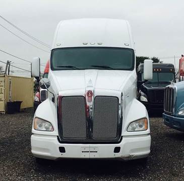 2011 Kenworth T700 for sale at JAG TRUCK SALES in Houston TX