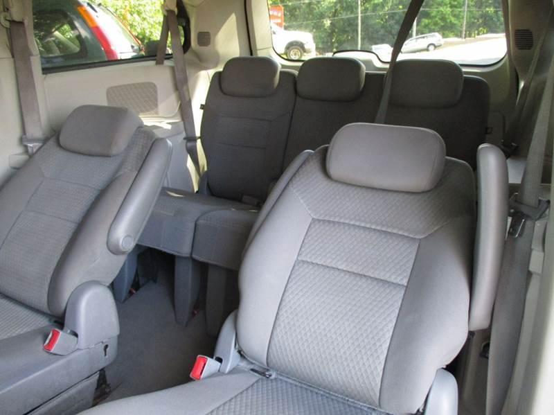 2009 Chrysler Town and Country LX Mini-Van 4dr - Leesburg VA