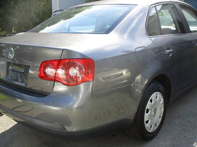 2006 Volkswagen Jetta Value Edition PZEV 4dr Sedan (2.5L I5 6A) - Leesburg VA