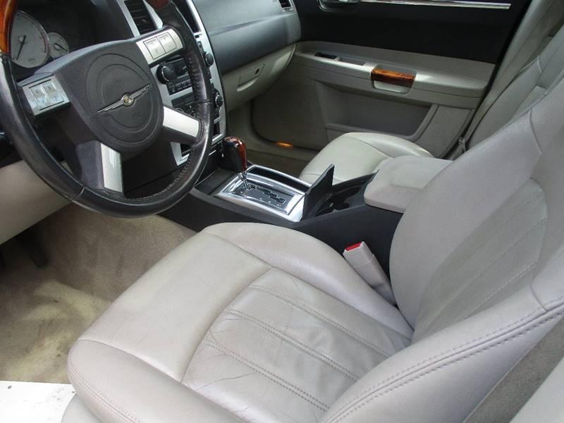 2006 Chrysler 300 C 4dr Sedan - Leesburg VA