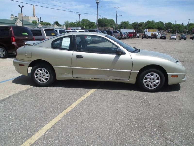 2003 Pontiac Sunfire 2dr Coupe - Pontiac MI