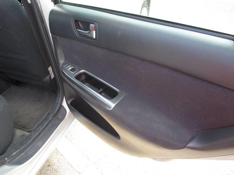 2002 Toyota Camry SE 4dr Sedan - Pontiac MI