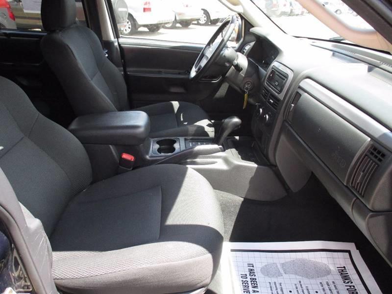 2004 Jeep Grand Cherokee 4dr Laredo 4WD SUV - Pontiac MI