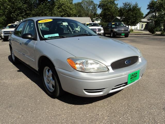 2007 Ford Taurus for sale at Unzen Motors in Milbank SD