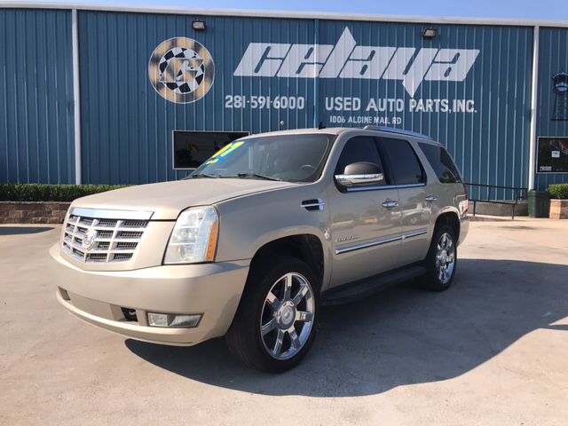 2007 Cadillac Escalade for sale at CELAYA AUTO SALES INC in Houston TX