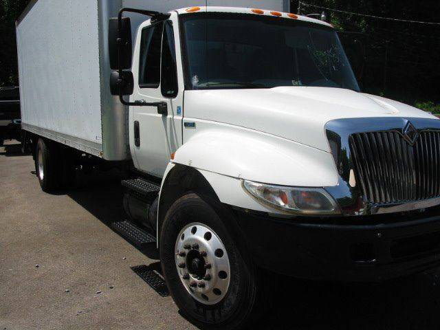 2008 International 4300  dura star  - Dobson NC