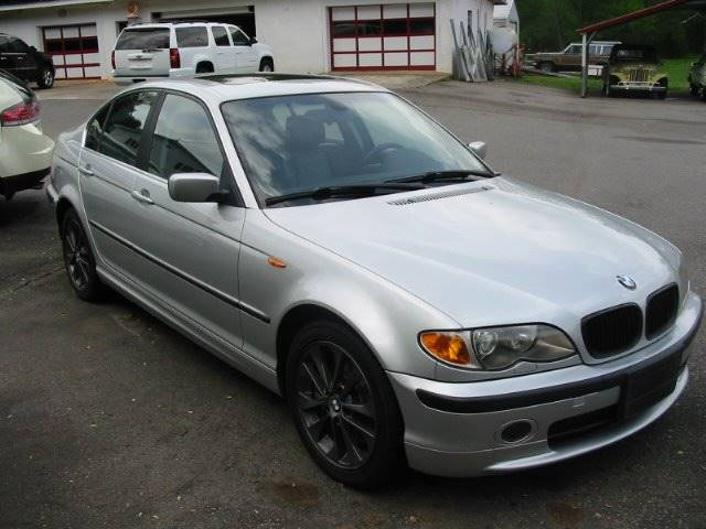 2003 BMW 3 Series for sale at Southern Used Cars in Dobson NC