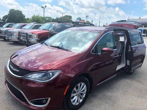 2017 Chrysler Pacifica for sale in Shelbyville, IN